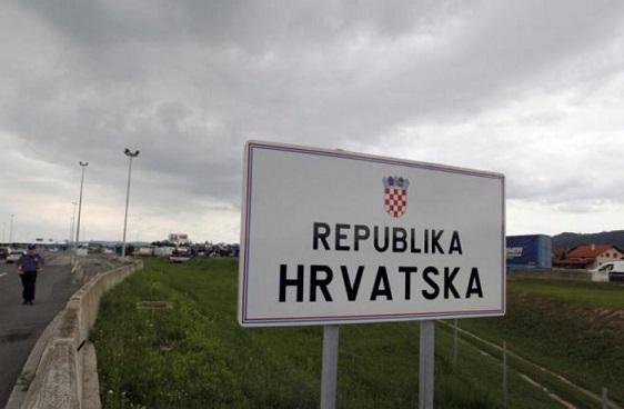 Horvátországban nyaralna? Számítson óriásdugókra!